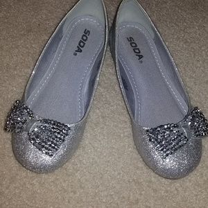 Silver glitter ballet flats, girls 4 or women 5/6